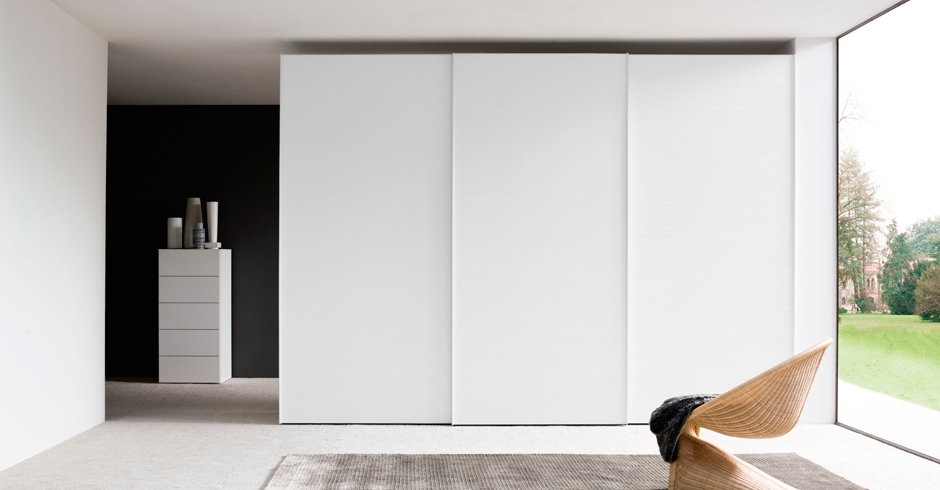 Porte armadio scorrevoli zv63 regardsdefemmes for Armadio ikea bianco