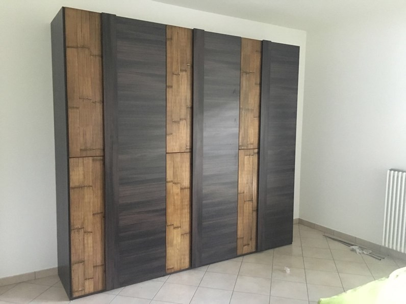 Armadio con ante battenti Armadio etnico moderno wenghe\'bambu a prezzo  ribassato 38%