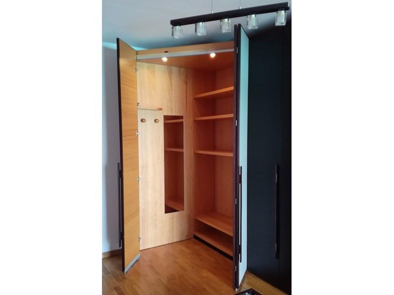 Armadio con ante battenti moderno la cabina armadio napol for Grande cabina armadio