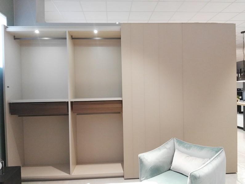 Ante Scorrevoli In Vetro.Armadio Con Ante Scorrevoli Design Maxiespace Vetro La Falegnami A