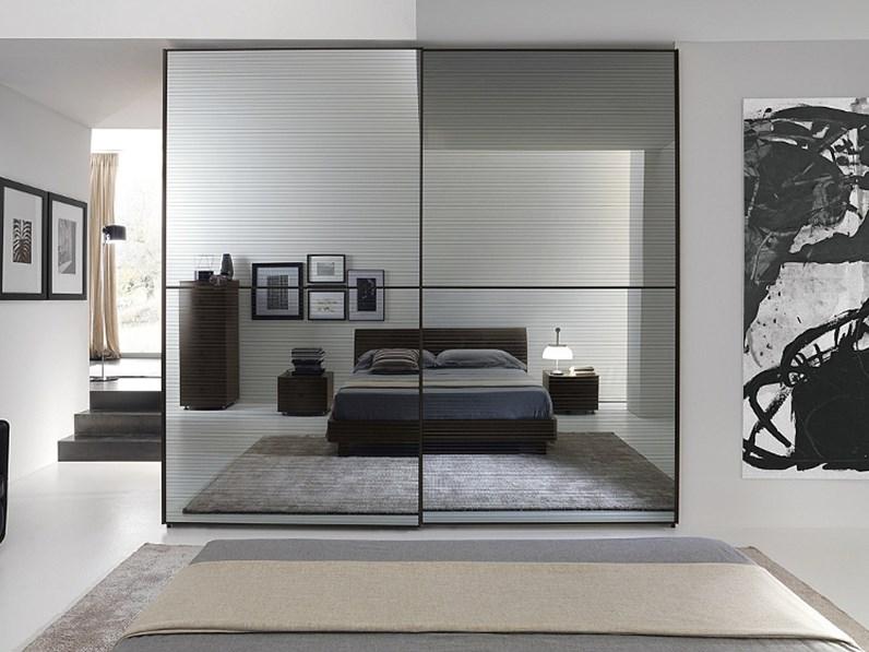 Armadio con ante scorrevoli moderno armadio scorrevole con specchi fum serigrafati scontato del - Armadio scorrevole specchio ...