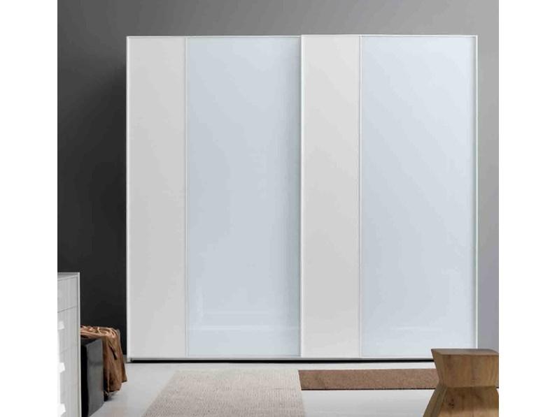 Armadio Ante Scorrevoli Laccato Bianco.Armadio Con Ante Scorrevoli Moderno Mottes Mobili Armadio Maxi Vertical 2 Vetro Laccato Bianco Artigianale A