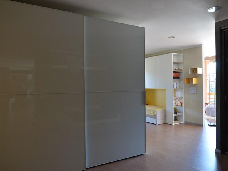 Emejing armadi ante scorrevoli gallery acrylicgiftware for Ginestri arredamenti
