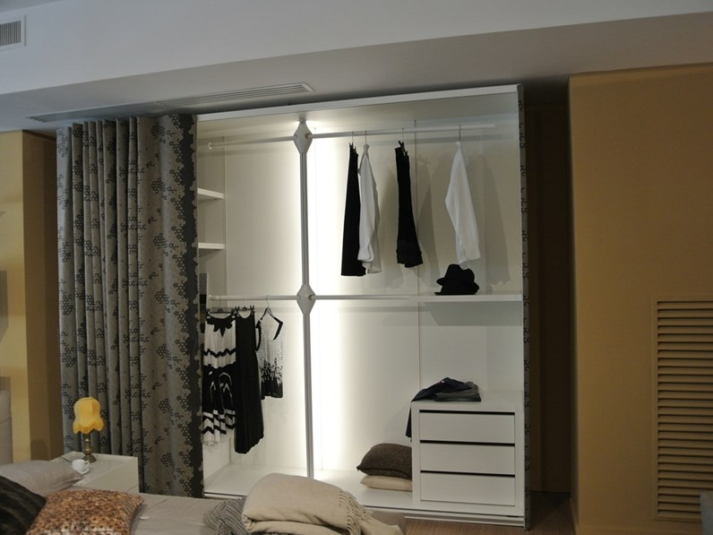 Armadio design et voila 39 wardrobe lago prezzi outlet for Lago design prezzi