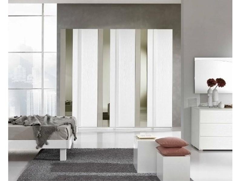 Armadio Bianco Con Specchio.Armadio Gierre In Laminato Bianco Frassino Con Specchio E Vetro Laccato Verticale L 270