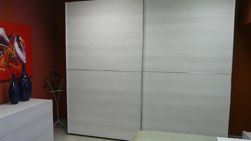 Armadio giessegi armadio scorrevole ante last moderno for Mobili ufficio scontati