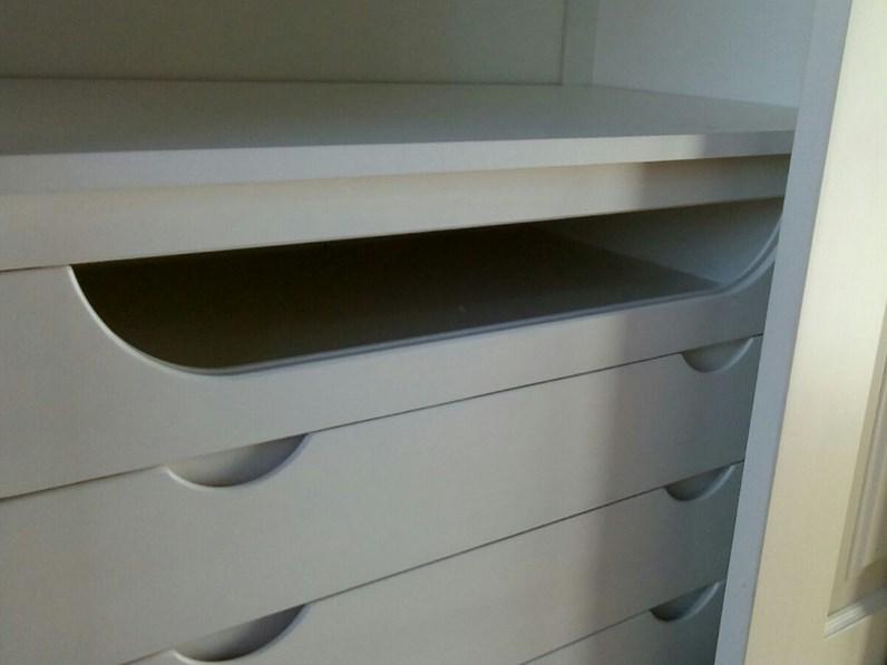 in legno a tre ante scorrevoli con cassettiera interna