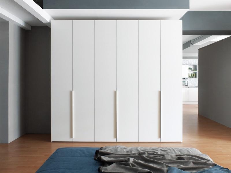 Armadio Laccato Bianco : Armadio in legno laccato bianco frassino a poro aperto