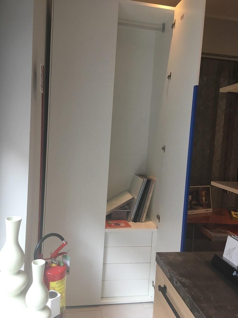 armadio lineare due ante battenti Moretti Compact ...