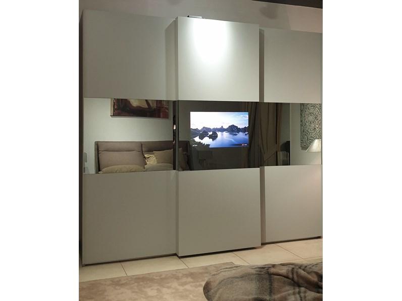 Armadio Con Tv Prezzo.Armadio Maronese Modello Wall Blog Con Anta Porta Televisore A Scomparsa A Prezzo Scontato