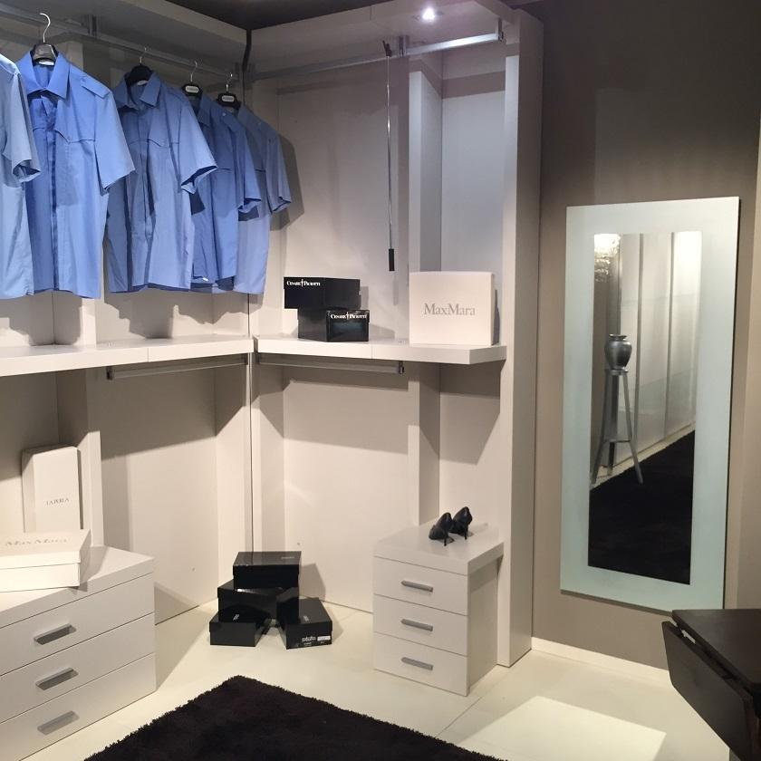 Armadio mazzali cabina armadio moderno laccato opaco for Cabina armadio outlet