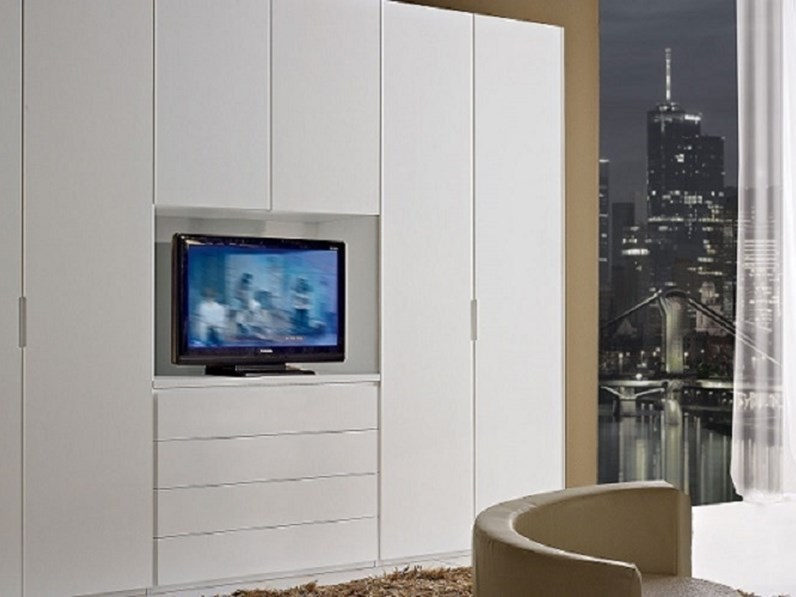 Armadio Con Vano Tv.Armadio Moderno Armadio Mod Ghost In Tamburato Con Vano Tv Laccato Bianco Opaco Scontato Del 35