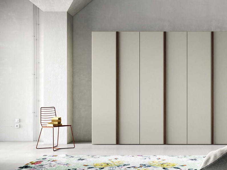 Armadio moderno design vertical scontato del 30 for Outlet armadi design