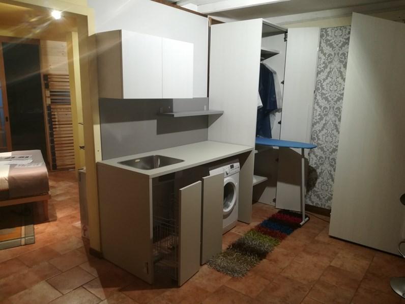 Armadio moderno lavanderia battistella con uno sconto del