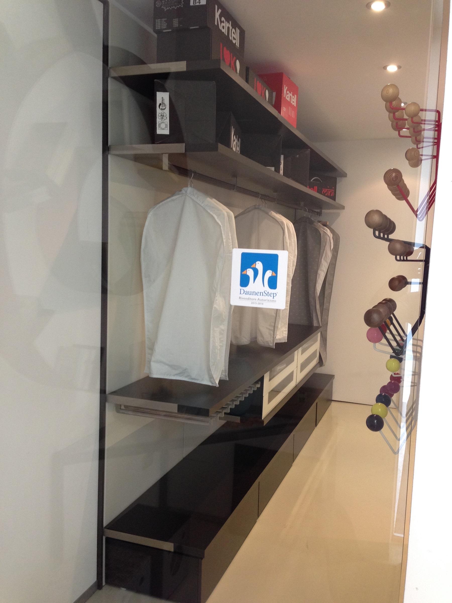 Cabina armadio 53 idee creative di interni e mobili for Idee seminterrato cabina di log