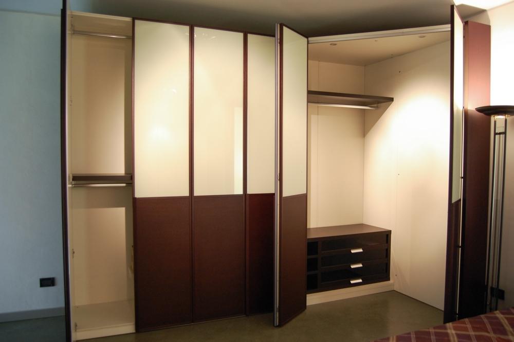 armadio doimo design anta liscia a battente scontato del -47 ... - Costruito Nel Design Armadio