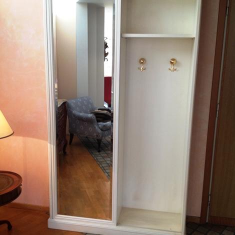 Armadio per ingresso in legno laccato bianco patinato con - Armadio a specchio ...