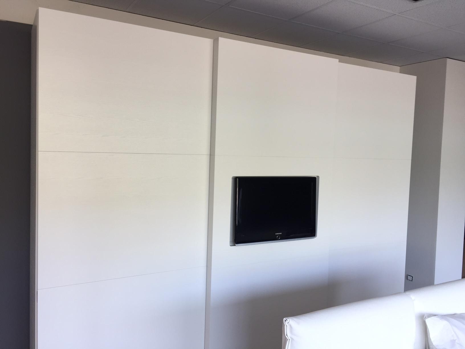 Armadio Con Tv : Armadio serenissima programma spazio design armadi a