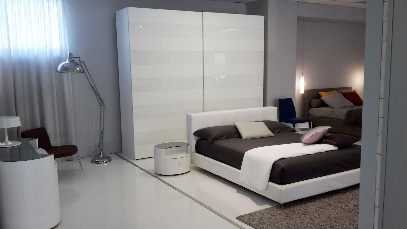 Armadio step 5 fascie vetro bianco by tomasella armadi a - Camere da letto ikea prezzi ...