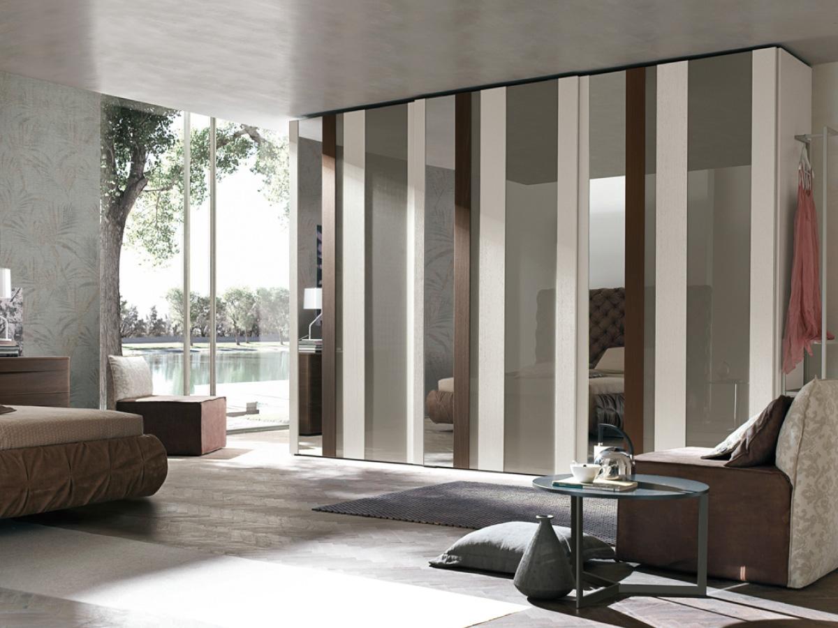 Armadio tomasella strike design vetro ante scorrevoli for Camere da letto a poco prezzo