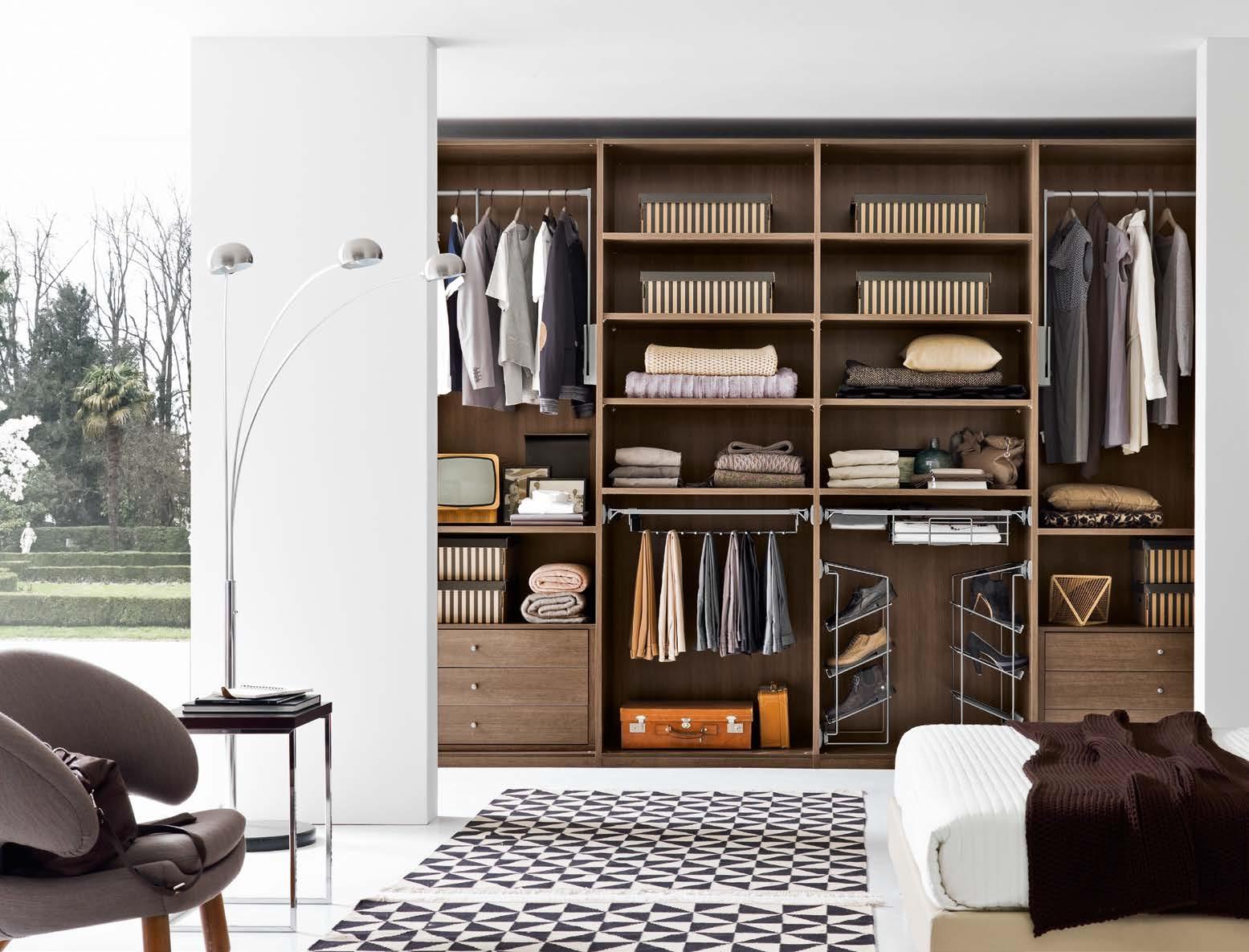 Cabina armadio a spalla moderno in laminato materico della for Design della cabina a prezzi accessibili