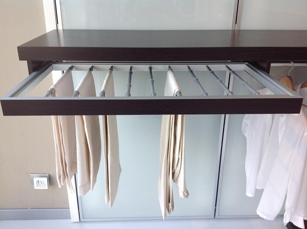 Porta Pantaloni Cabina Armadio : Portapantaloni cabina armadio u idee per la casa