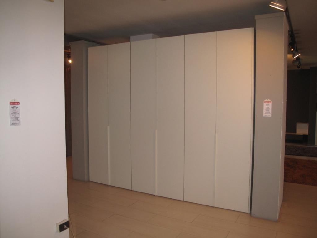 Pianca armadio pianca armadio anta plana battente scontato - Portacravatte per armadi ...