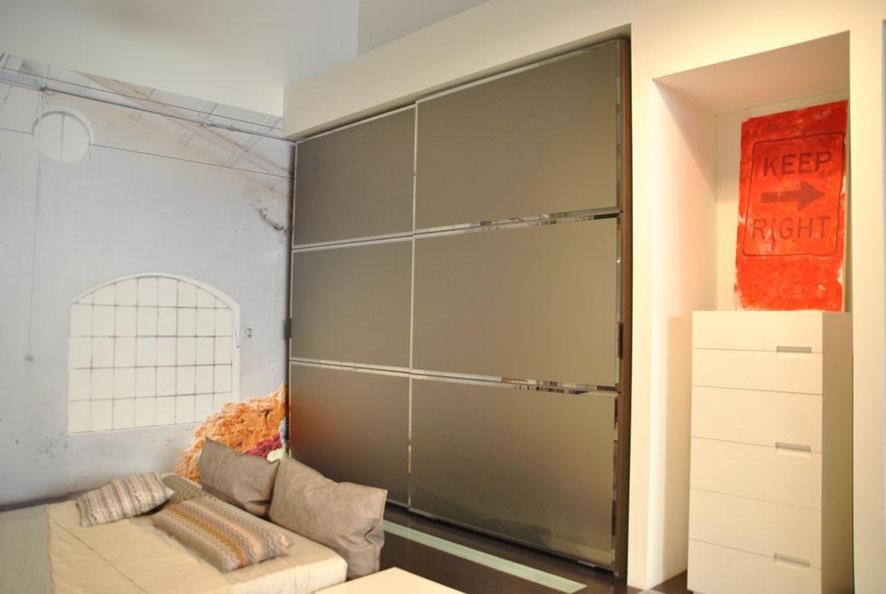 Promozione armadio a due ante scorrevoli finitura specchio - Armadio a specchio ...