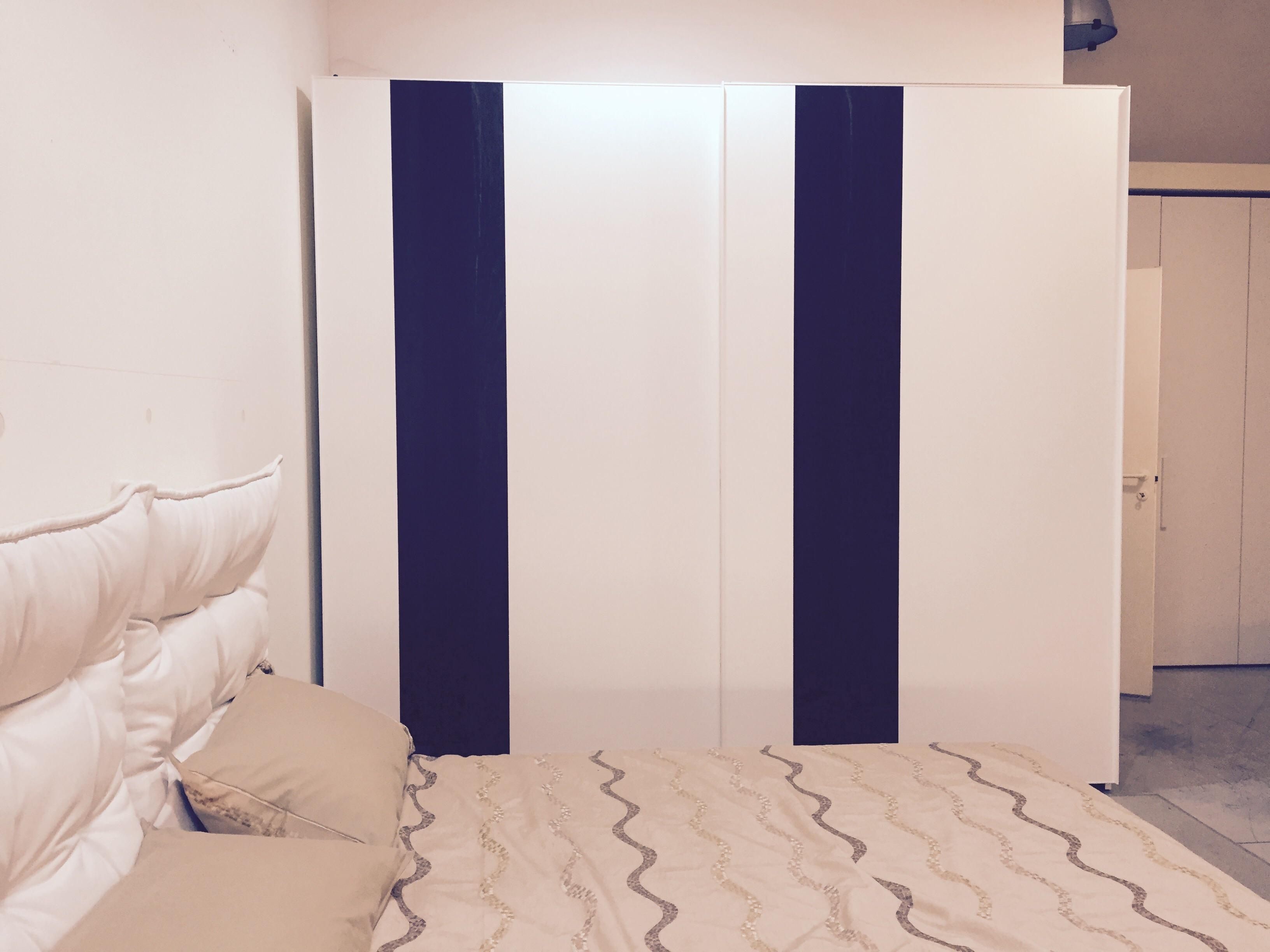 Silenia armadio random design laccato opaco ante for Armadi design outlet