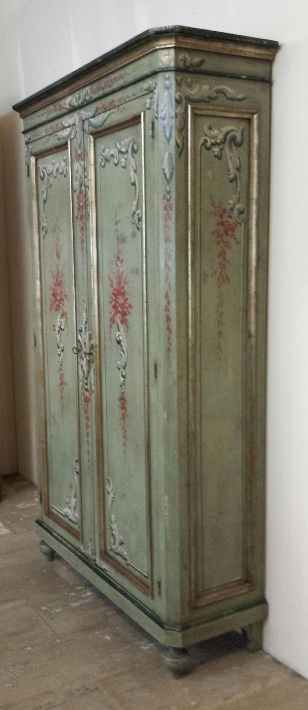 Armadio Stipo Classico in legno dipinto a mano - Armadi a ...
