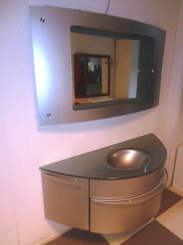 Ardeco bagno calla curvo grigio metallizato con radio integrata design laccato opaco arredo - Ardeco specchi bagno ...