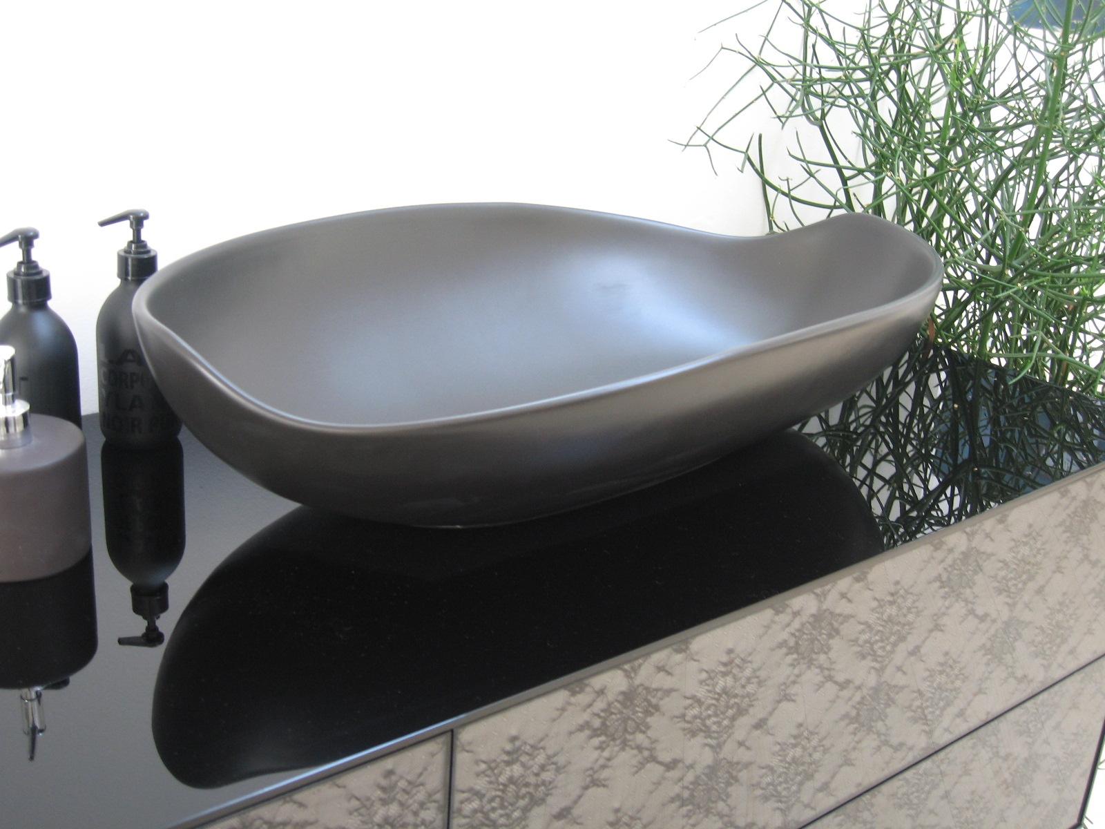 Arlex lavabo appoggio miyuki nero satinato design ceramica for Arredo bagno lavabo sospeso