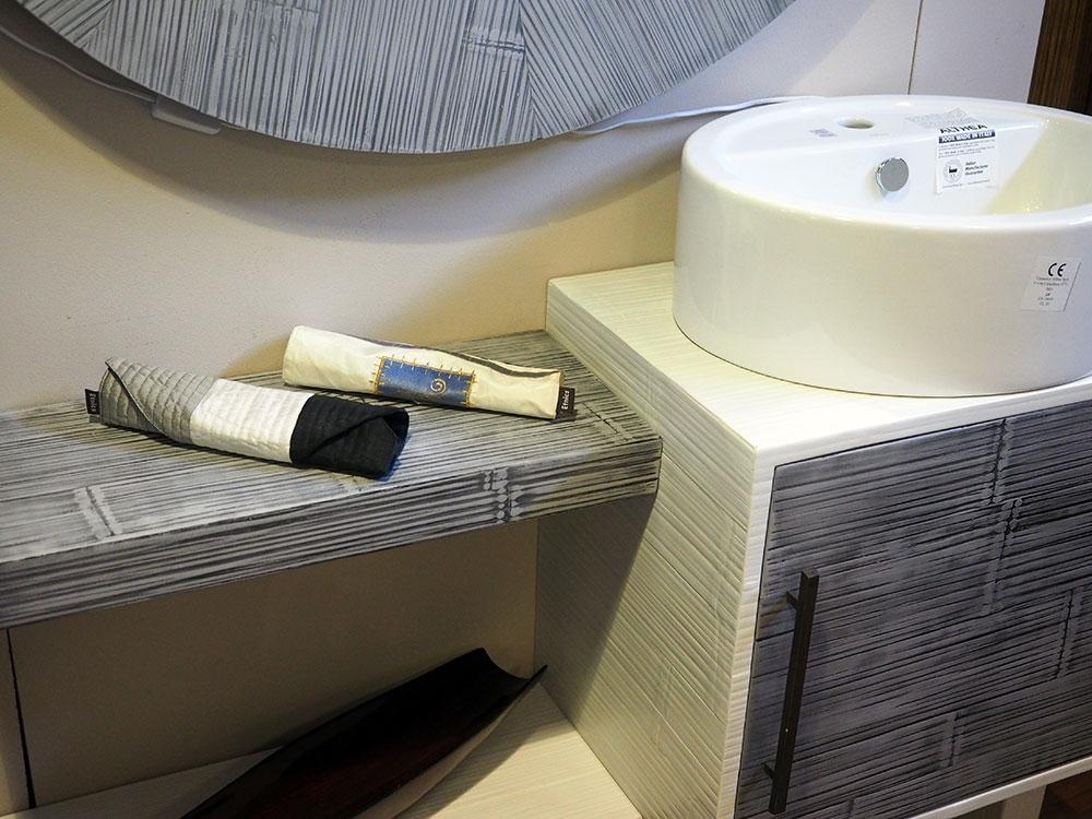Bortoli bagno etno crash bambu e legno grey white legno arredo bagno a prezzi scontati - Tiger accessori bagno ...
