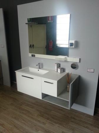 Cerasa play scontato del 50 arredo bagno a prezzi for Arredo bagno outlet