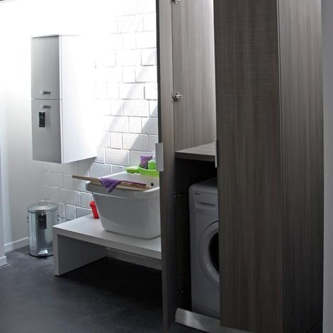 Compab armadio portalavatrice moderno laminato arredo bagno a prezzi scontati - Laminato in bagno ...