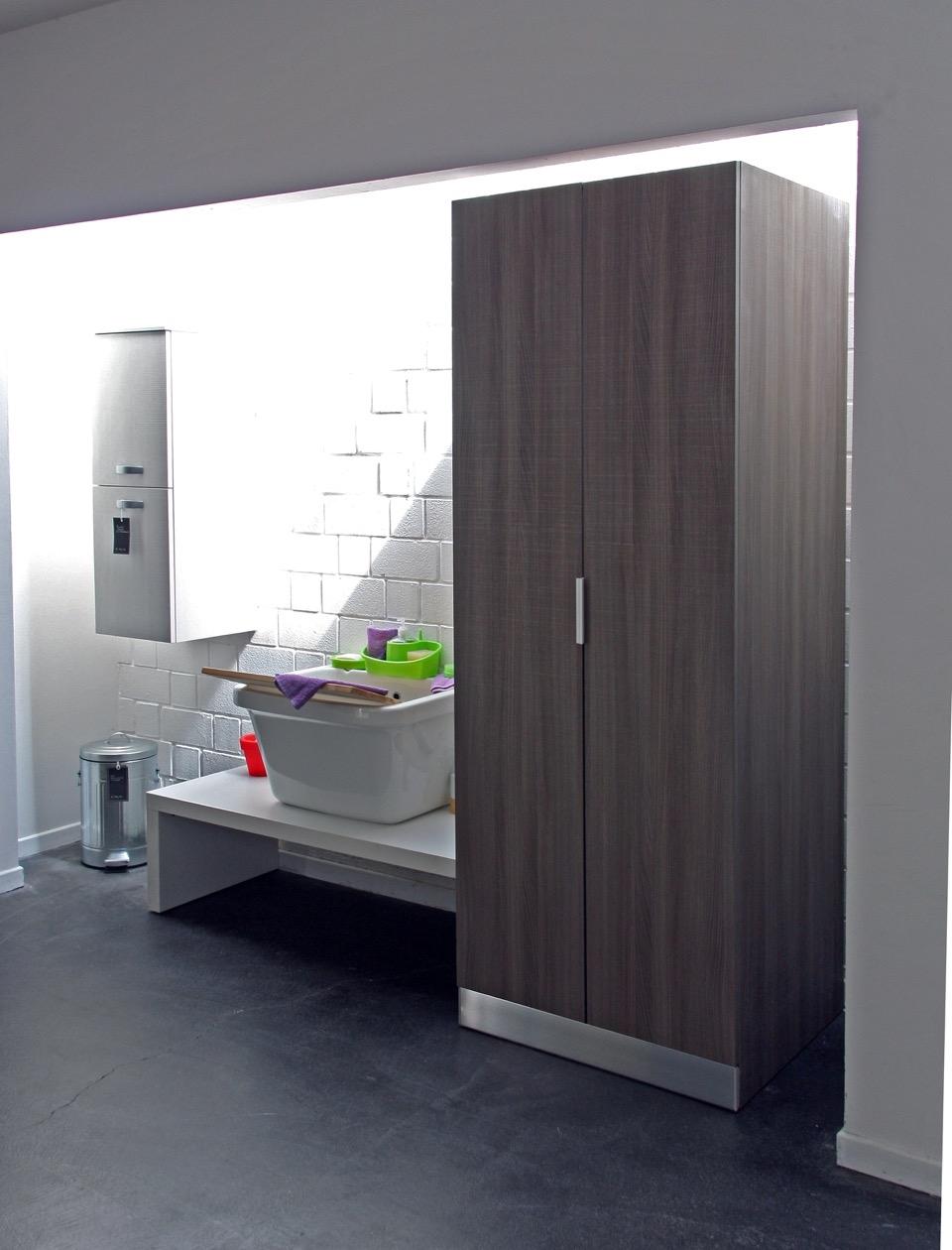 Compab armadio portalavatrice moderno laminato arredo bagno a prezzi scontati - Mobile bagno laminato ...