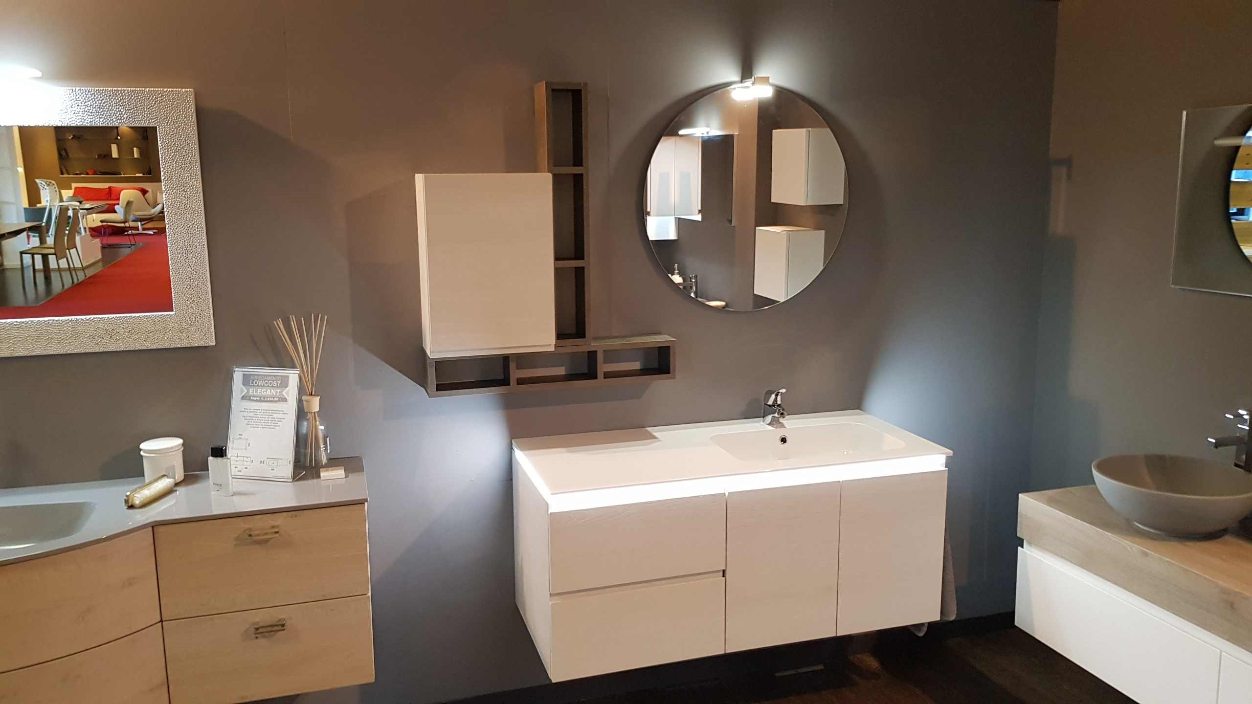 Outlet bagno compab in offerta con luce a led arredo for Outlet arredo