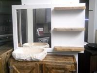 mobile bagno completo di specchio e mobile vecchia ghiacciaia in ...