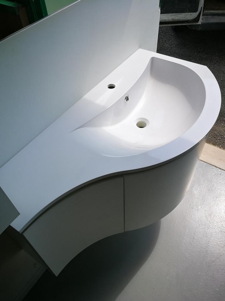 Puntotre mobile bagno con lavabo stondato arredo bagno a for Prezzi lavabo bagno con mobile