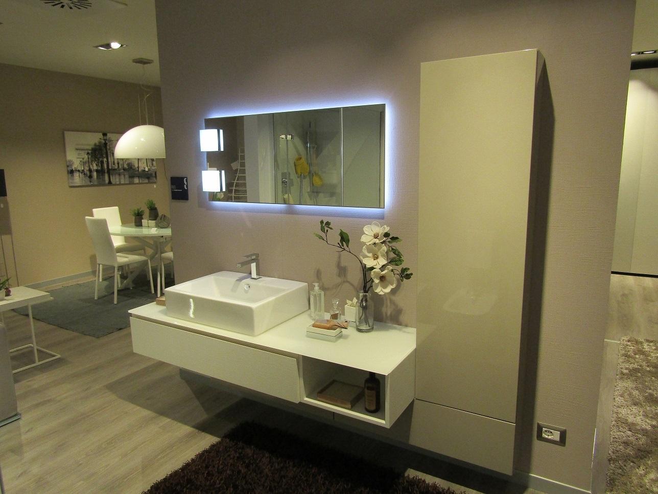 Arredo bagno scavolini bathrooms rivo scontato del 40 for Bagno scavolini