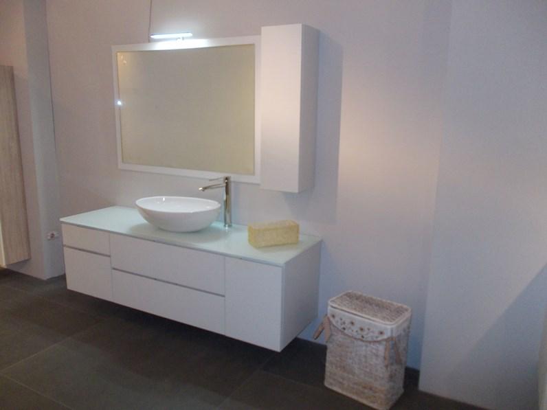Arredamento bagno mobile artigianale miro 39 in offerta outlet for Arredamento in offerta