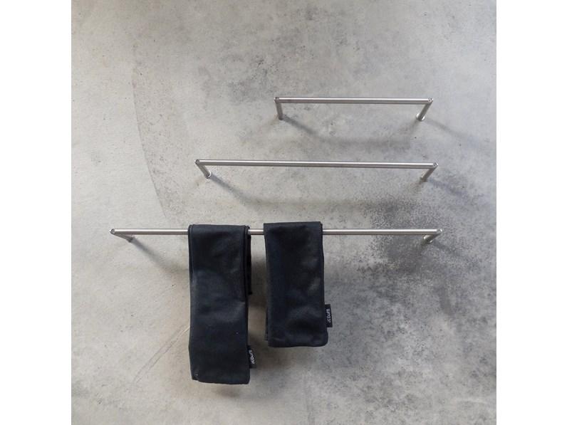 Arredamento bagno mobile boffi portasciugamani minimal for Arredamento design outlet
