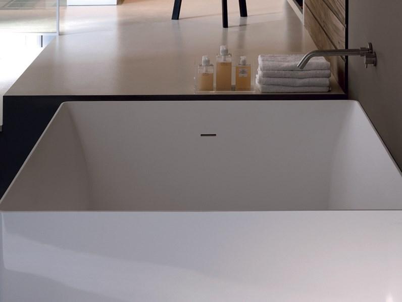 Arredamento bagno vasca colacril dual atmosfere quadrata - Vasca da bagno quadrata ...