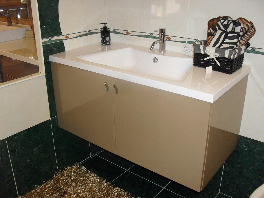 La roccia mobile bagno icaro laccato lucido arredo bagno for Arredo bagno piemonte