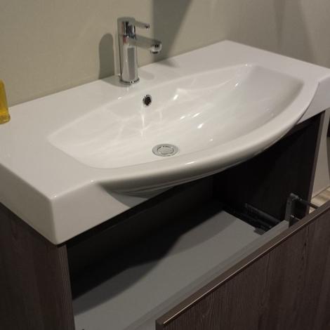 Arredo bagno Cerasa Movida, visibile in showroom