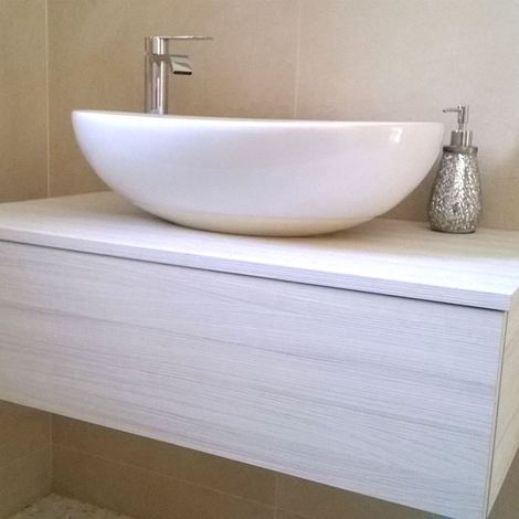 Mobile sospeso da bagno con lavandino a ciotola arredo for Lavandino leroy merlin