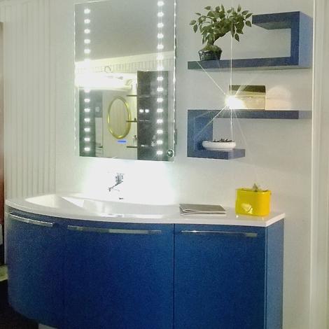 Mobile bagno sospeso arcom con basi curve in frassino laccato in offerta arredo bagno a prezzi - Mobile bagno laccato ...