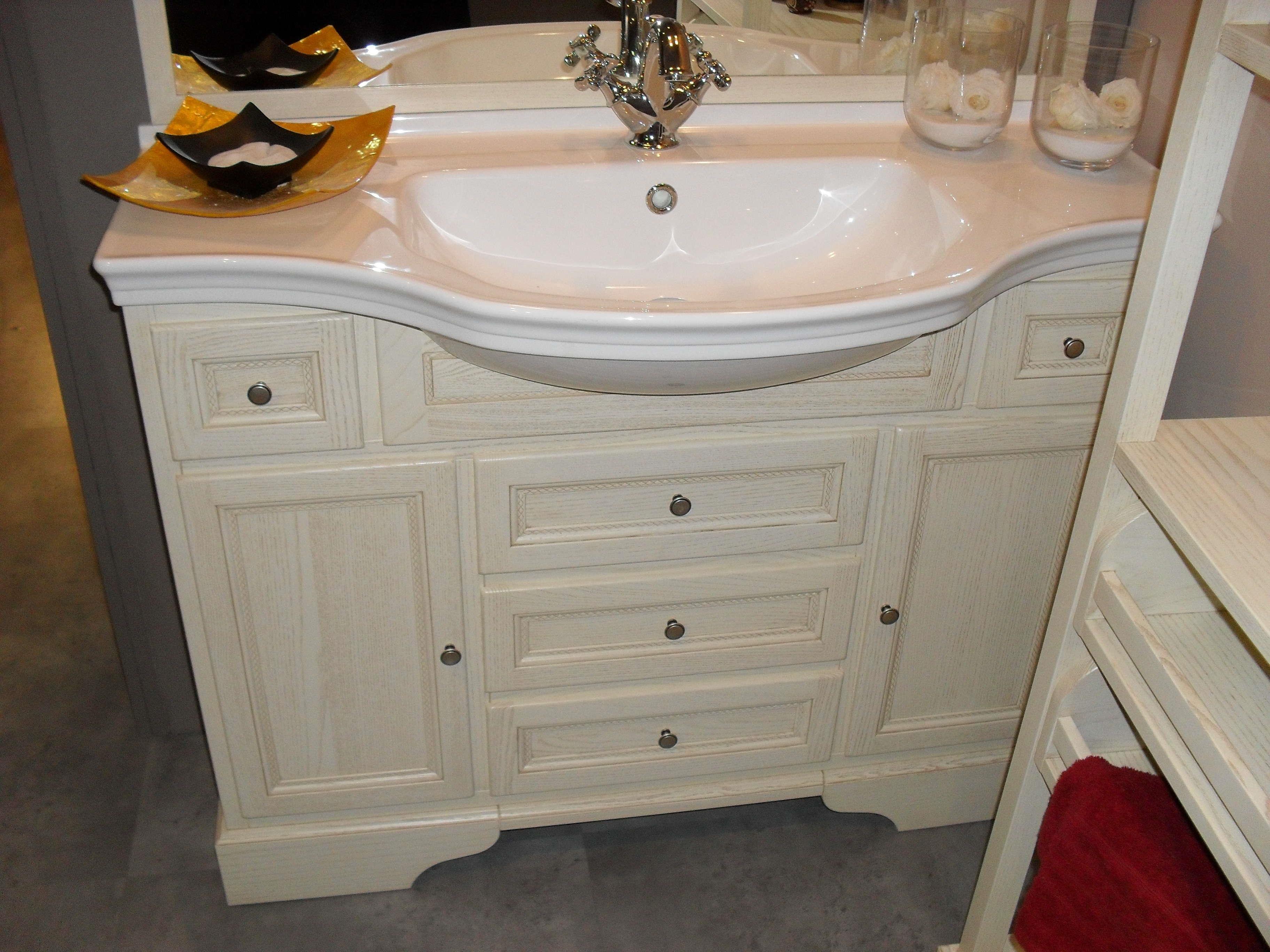 bagno classico color crema scontato del 64% - arredo bagno a ... - Mobili Arredo Bagno Classici Prezzi