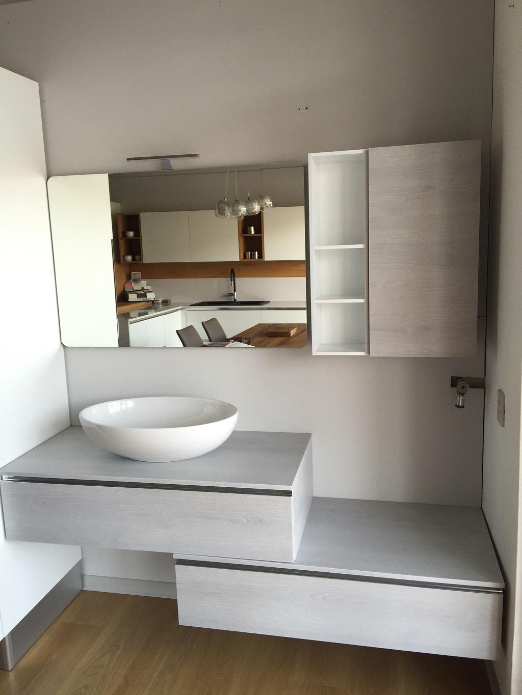 Bagno in materico effetto frassino grigio chiaro - Euro Bagni - Arredo bagno ...