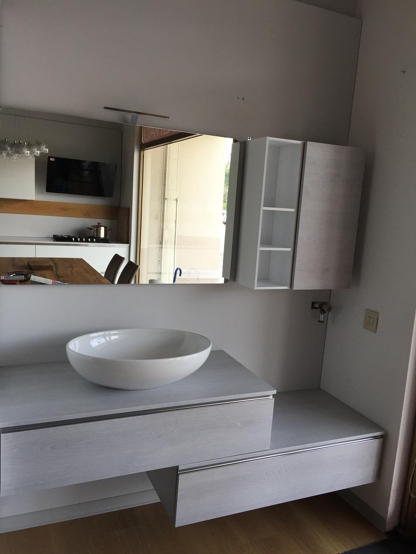 Mobili bagno noce chiaro design casa creativa e mobili for Arredo bagno in legno
